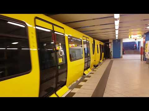 Ein- und Ausfahrt des IK17 mit 1029 und 1031 in Friedrichsfelde (U5).