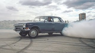 300 HP in V8 GAZ 24-Volga. RUN BOY RUN!