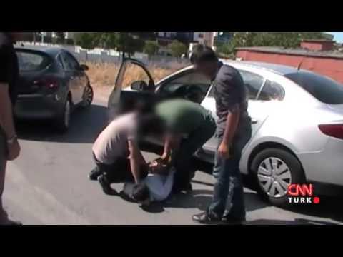 Uyuşturucu operasyonu polis kamerasında