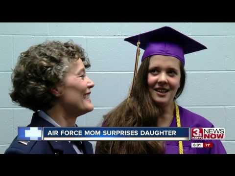 Mom And DaughterKaynak: YouTube · Süre: 5 dakika2 saniye