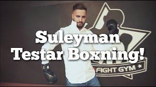 Suleyman testar Boxning
