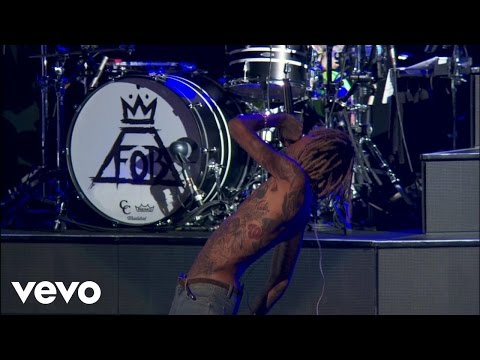 Fall Out Boy - Uma Thurman (Boys Of Zummer Live In Chicago) ft. Wiz Khalifa