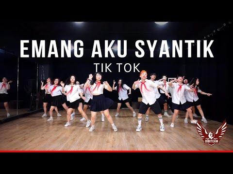 Emang Aku Syantik (Tik Tok) - Lagi Tamvan - Vietnamese Student Dance Version - Dibiteam Choreography