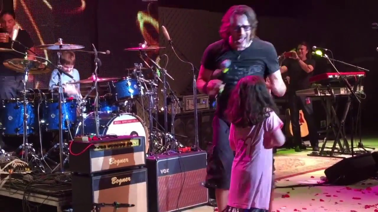 """Rick Springfield - Don't Talk to Strangers live  - 9 yr old Julian """"Figgy"""" Delan Drums"""