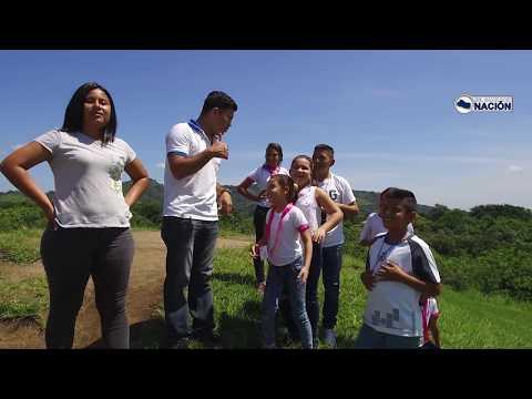 Nos encontramos con la excursión de unos niños en las Ruinas de San Andres. El Salvador