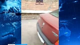 В Советском районе повредили припаркованные во дворе автомобили