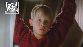 Kevin (macaulay culkin) keeps laying down the punishment on would-be bandits.8-year-old mcallister is accidentally left behind when his family take...