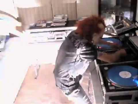 Слушать песню Dj Blend - ELECTRO HOUSE 2011 (FREAK MIX) DJ BL3ND╬╬оТ дУши ДлЯ дУшИ кач,музыка для машины,басс вынос.dubstep.hip-hop.rap.club...клипы в различных направлениях...╬╬