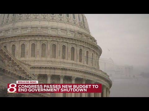 Congress votes to reopen government, passes budget deal