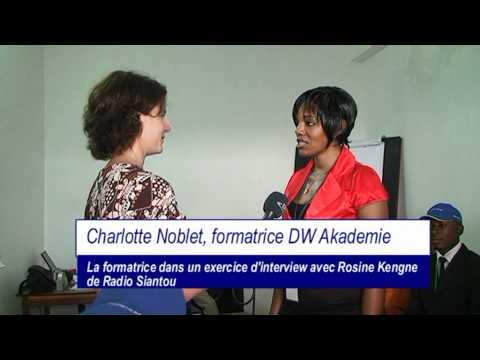 Douala, Cameroun, juillet 2011: présentations des journalistes radio