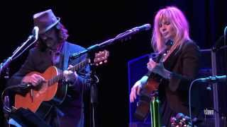 """Over The Rhine - """"Meet Me at the Edge of the World"""" (eTown webisode #431)"""