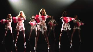 The Making of the Victoria's Secret Angels & Umbrellas Video