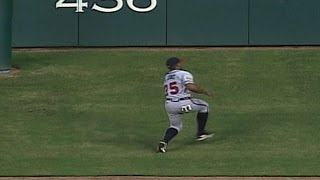 Download Video ATL@HOU: Andruw Jones makes catch on Tal's Hill MP3 3GP MP4