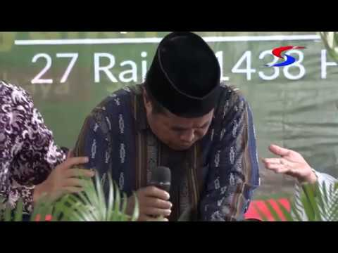 Indonesian Quari Shekh Zafor Abdur Rahman Ditht whilst Reciting the Holy Quran