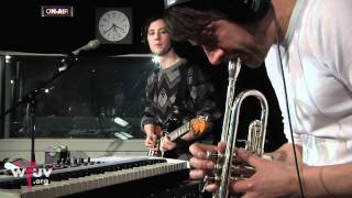 "Fanfarlo - ""Deconstruction"" (Live at WFUV)"
