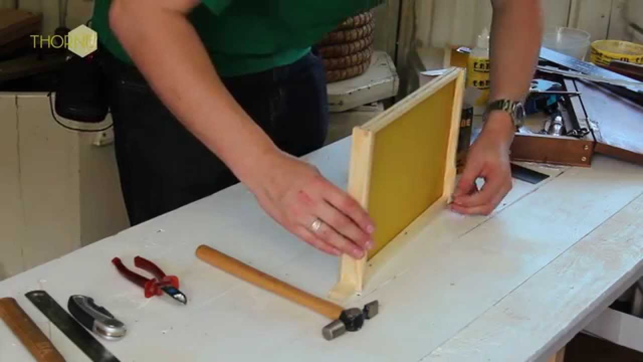 THORNE - NATIONAL BEEHIVE BROOD FRAME - Assembly Instructions - YouTube