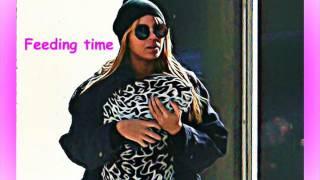 Beyonce breastfeeds in public
