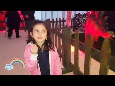 ATTENTI AI DINOSAURI! Sofia alla mostra Jurassic Expo di Palermo