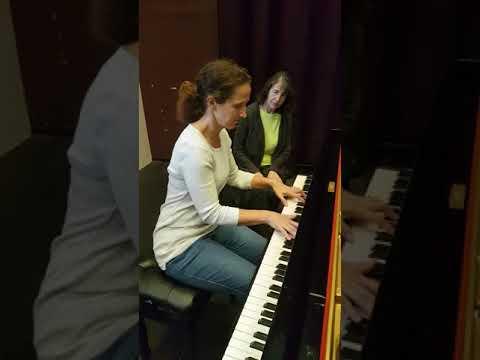 Helen Hamlin with Svetlana Vokurka (Piano)