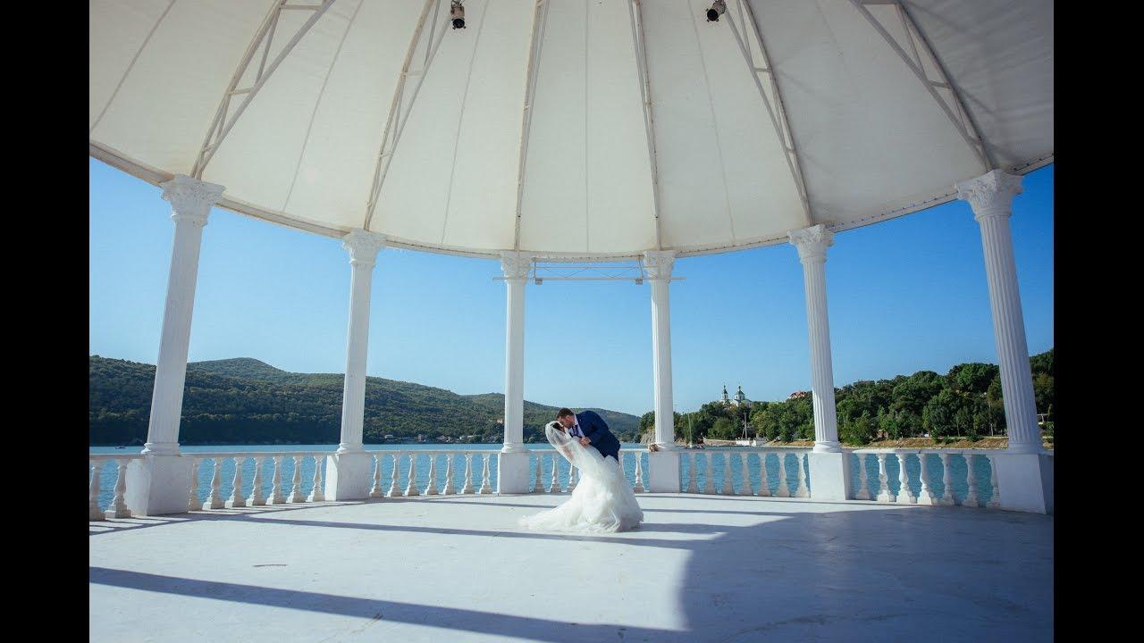 испугались бросили свадебная фотосессия в абрау дюрсо очень серьезно