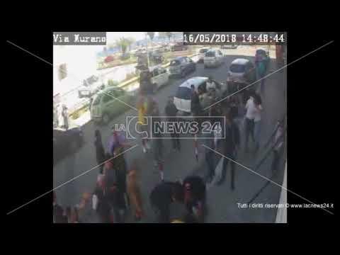 Catanzaro, il crollo del balcone: 5 feriti