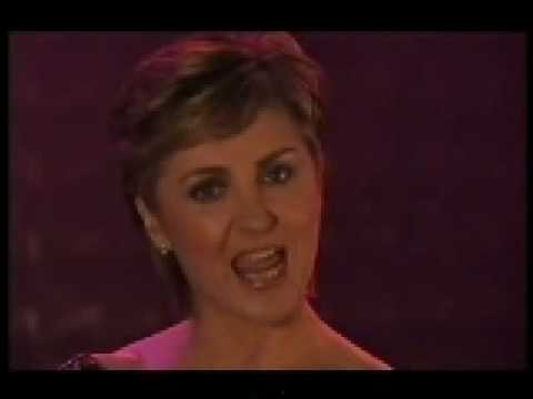 Lesley Garrett - The Twelve Days After Christmas - YouTube
