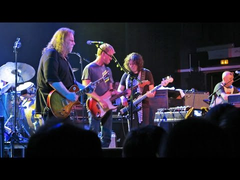 GOV'T MULE & KENNY WAYNE SHEPHERD ( Parts of Concert ) au TRIANON à PARIS le 09 07 2012