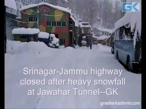 Srinagar-Jammu highway closed after heavy snowfall at Jawahar Tunnel