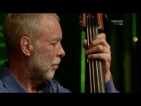 Dave Holland Quintet - How's Never