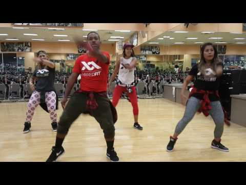 Nicki minaj ft Chris Brown - Right by my...