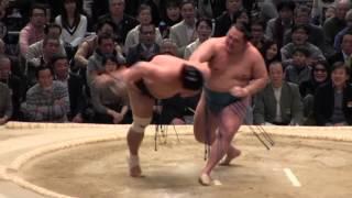 妙義龍 vs 玉鷲 の取組。2015春場所8日目。現地オリジナル撮影。 Grand ...
