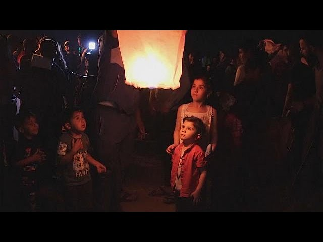 1,000 lanterns released in Mosul to celebrate Assyrian New Year