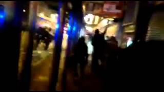 Hong Kong: bạo loạn khi cs dẹp hàng rong trong dịp Tết 5