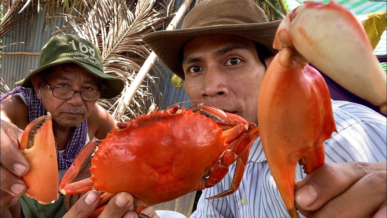 Cua Biển Siêu To Luộc Nước Dừa Sả Chấm Muối Ớt Siêu Cay