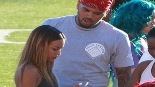 Gambar cover Chris Brown Is Begging Karrueche Tran For A Chance To Explain Himself