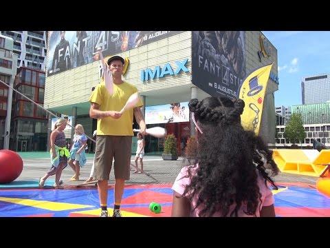 010nu - Probeer-circus voor kinderen op Schouwburgplein