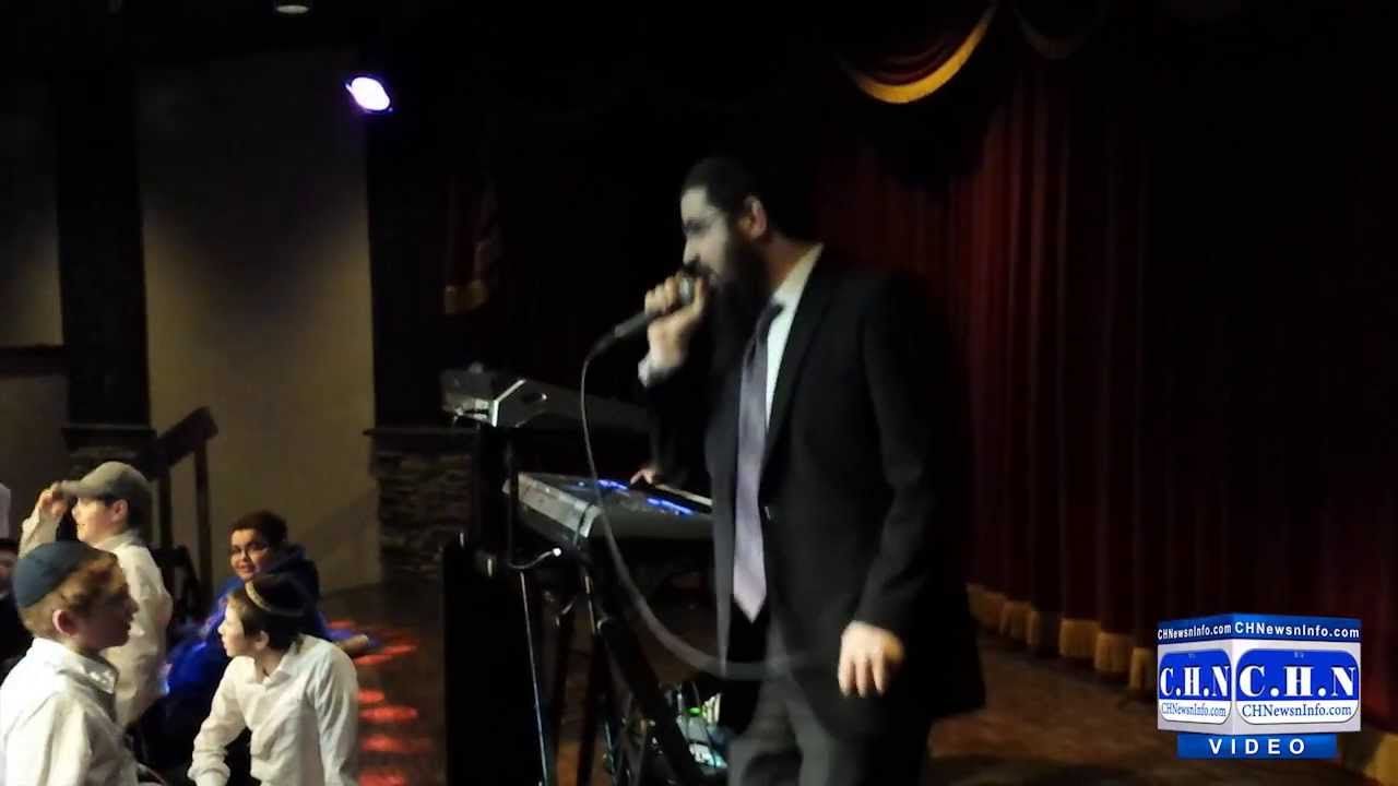 Benny Friedman Sings 'Oholei Torah Chai'