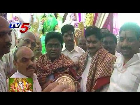 Devineni Uma Ganesh Chaturthi Celebrations in Vijayawada : TV5 News