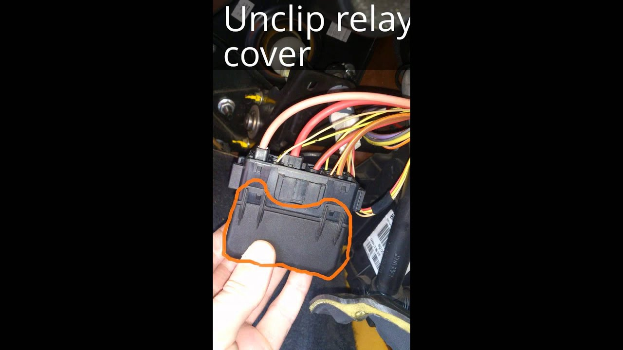 Renault Megane Wiper Motor Relay Location