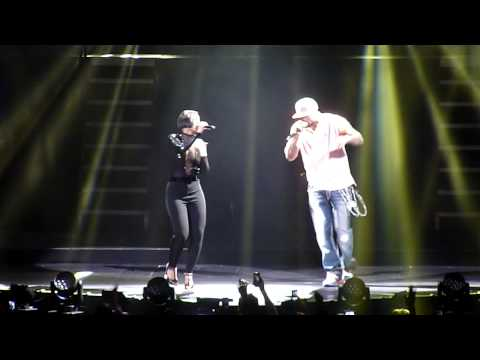Alicia Keys & Method Man - You're All I Need @ Prudential Center - HD