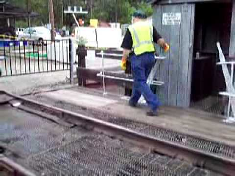 Locking the Dunsmuir, CA turntable during Dunsmuir Railroad Days 2011
