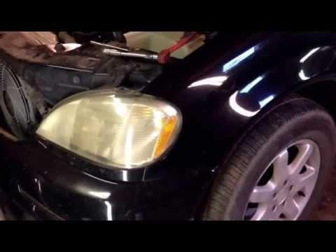 Mercedes ML ML320 ML 430 ML270 M350 ML230 headlight removal in 1 minute. W163 Headlight Replacement