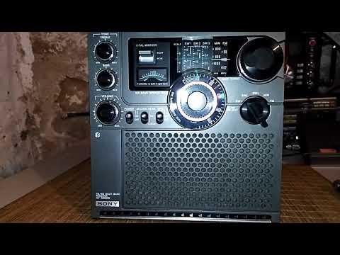 1975 Vintage Sony ICF-5900W - Shortwave broadcast of Radio Havana Cuba @ 6165 kHz