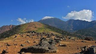 網張スキー場より登りました。 黒倉山から望む岩手山と大地獄谷は絶景で...