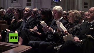 Los matrimonios Obama y Clinton, junto a Melania Trump en el funeral de Barbara Bush
