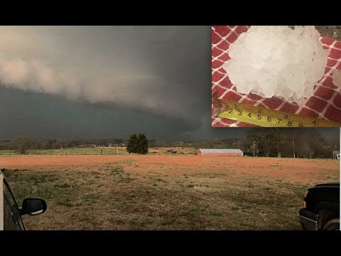 Giant hail falls from the sky over Cullman, Alabama - Weatherman says Never seen a storm like it