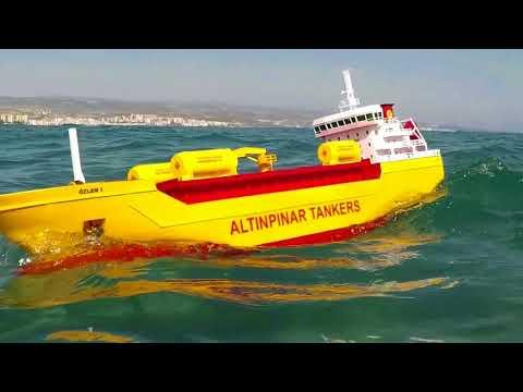 Tanker Ship In Huge Waves! 1 RC Tanker Ship