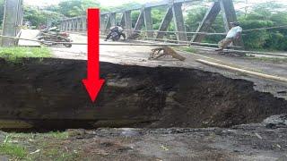 Video Jembatan roboh ! Jembatan utama penghubung Kecamatan Cijati dan Kecamatan Kadupandak Roboh download MP3, 3GP, MP4, WEBM, AVI, FLV Mei 2018