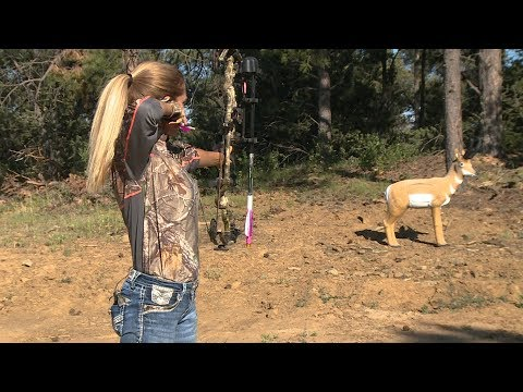 Michele Eichler's Bowhunting Equipment Set Up (archery For Smaller Women)