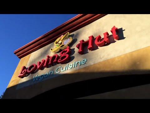 Loving Hut Vegan Christmas Lunch - Vlog